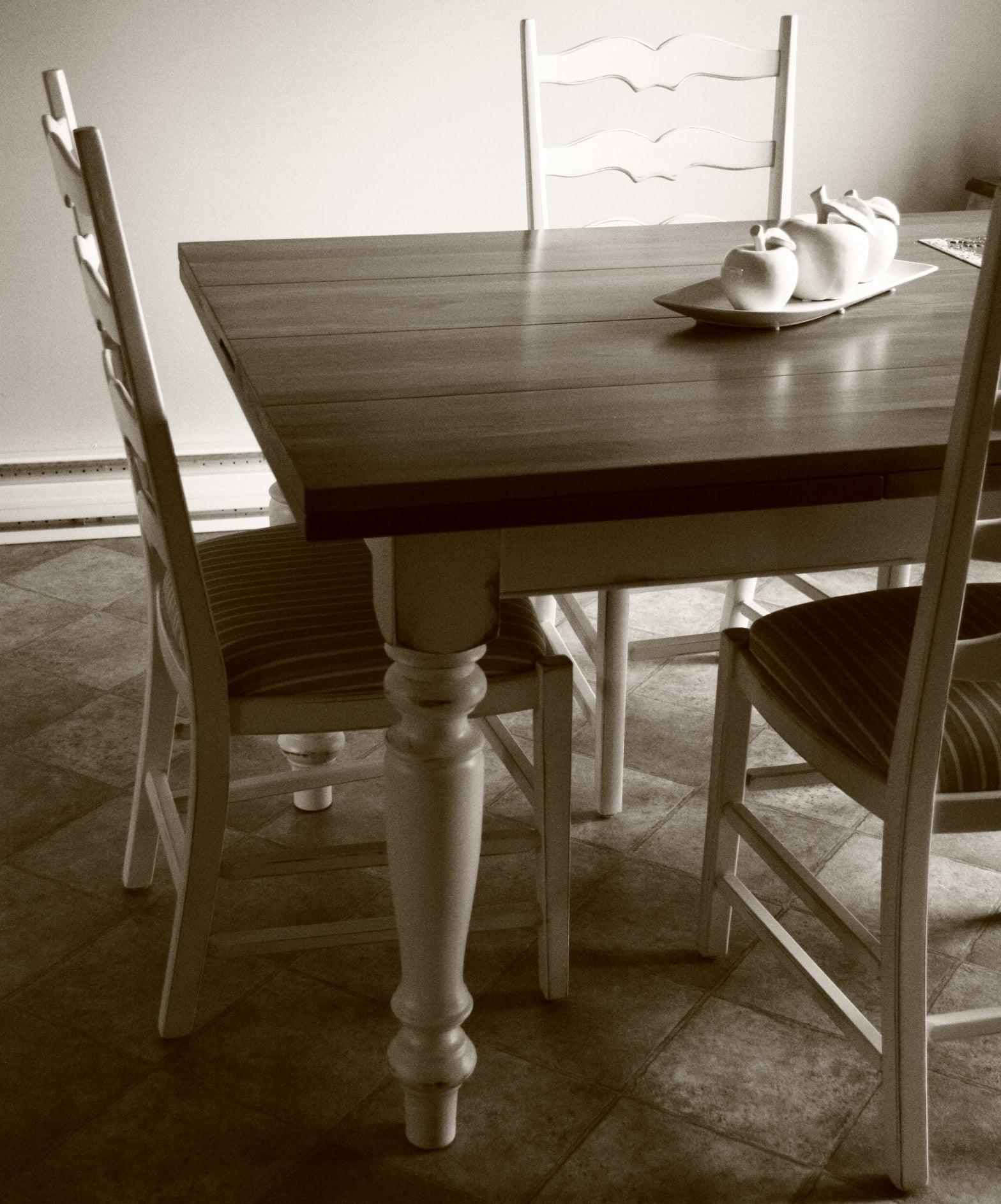 Table la campagnarde meubles sur mesure meubles hochelaga for Meuble hochelaga montreal